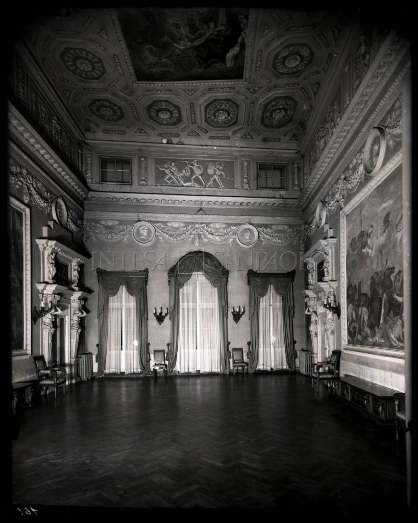 Banca cattolica del veneto sede in palazzo leoni for Interni salone