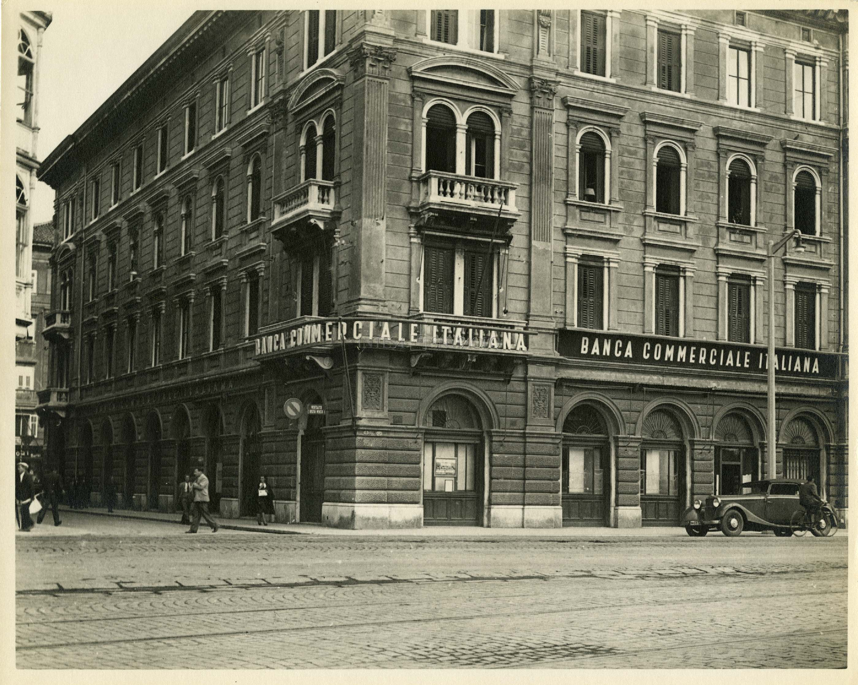Succursale BCI di Fiume in via Mazzini 1 1938 fotografo sconosciuto